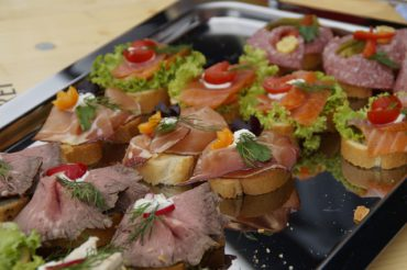 What Food Service will Compliment your Event Best